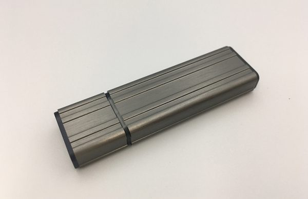 高耐久な高い信頼性のある産業用USBフラッシュメモリを販売開始
